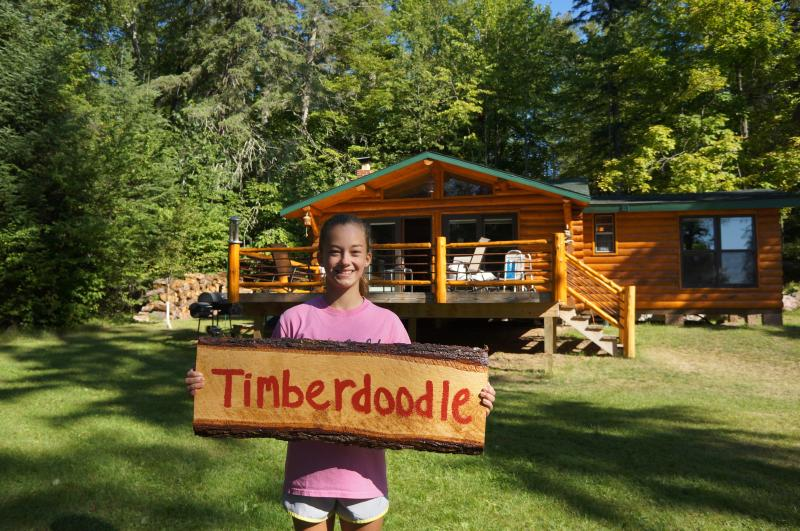 Timberdoodle 1 bedroom sleeps 6 - Turtle Lake Vintage Log Cabins the Timberdoodle - Bigfork - rentals