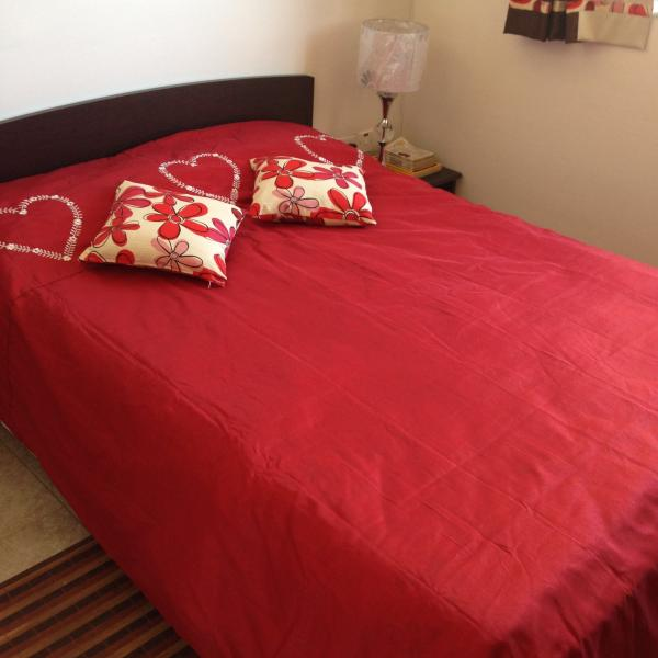Double bed in airconditioned bedroom with sea view. - Sunny apartment 2 steps from Mellieha sandy beach - Surrein - rentals