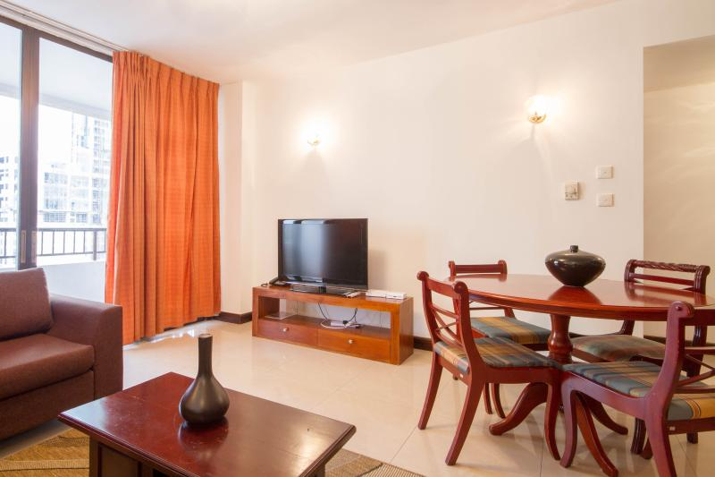 1BR Fully serviced apartment  for rent at Crescat - Image 1 - Colombo - rentals