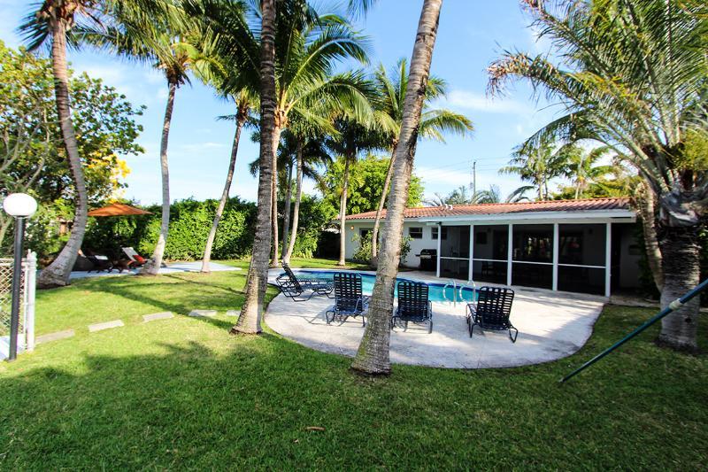 Villa Oasis, Promo: All August $2899/wk - Image 1 - Miami Beach - rentals