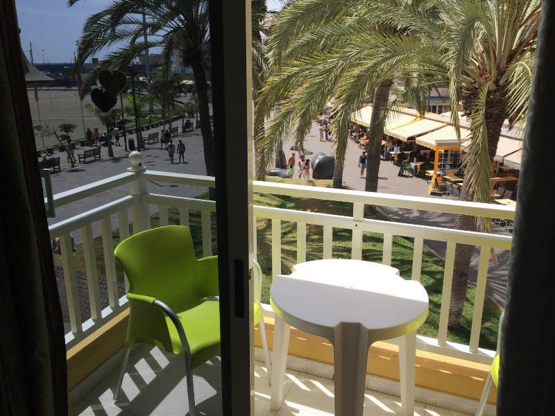Holiday Apartment For Rent Nex To De Sea In Los Cristianos Tenerife - Image 1 - Los Cristianos - rentals