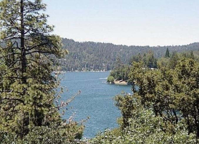 View of Lake Arrowhead - Lakeside Manor in Lake Arrowhead - Lake Arrowhead - rentals