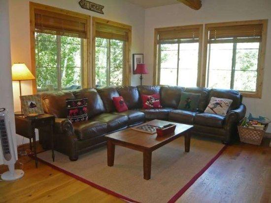 Main floor living area - Wood River Drive #297, Unit K, Beautiful West Ketchum location, with private hot tub - Walk to River Run lifts - Ketchum - rentals