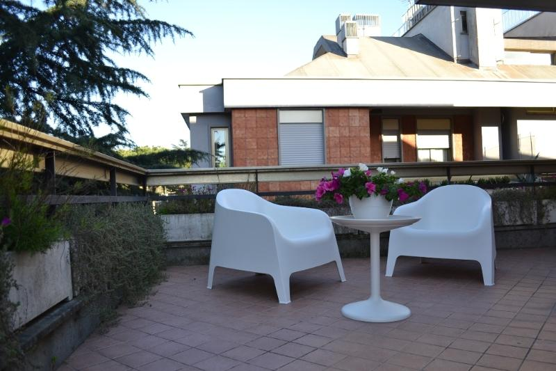 THE FANTASTIC TERRACE ! - AUTUMN DISCOUNT - TERRACE, A/C, WIFI, SAT TV - Rome - rentals