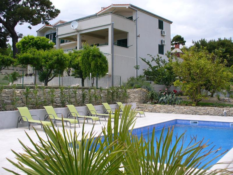 Apartmant no1  Villa Dvori Viškovi - Image 1 - Podstrana - rentals