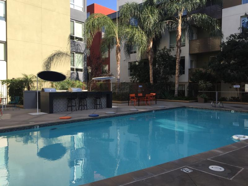 Luxury 1-Bedroom with Balcony and Pool - Image 1 - West Hollywood - rentals