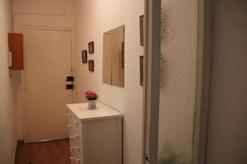 Flat Fira de Barcelona for 4 People - Image 1 - Barcelona - rentals