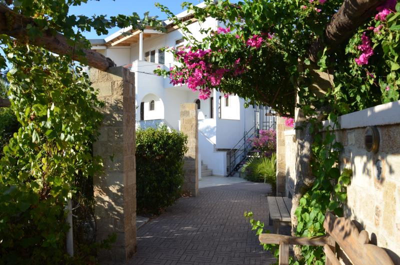 Villa Panagos, studios and apartment 90sqm - Apartment 90sqm , Faliraki,Rhodes, sleeps 4+2 - Faliraki - rentals