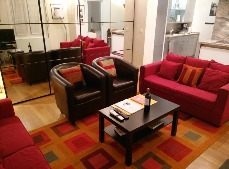 Paris is Always a Good Idea 1BR Rue St-Dominique - Image 1 - Paris - rentals