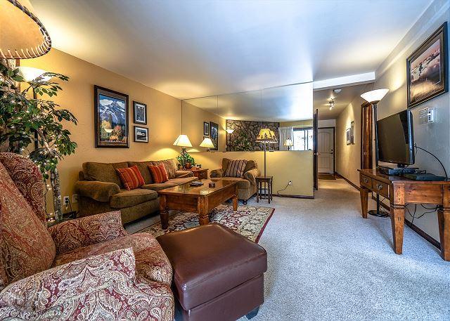 Park Place E203 Living Room Breckenridge Lodging - Park Place 203E Ski-in Condo Downtown Breckenridge Colorado Vacation - Breckenridge - rentals