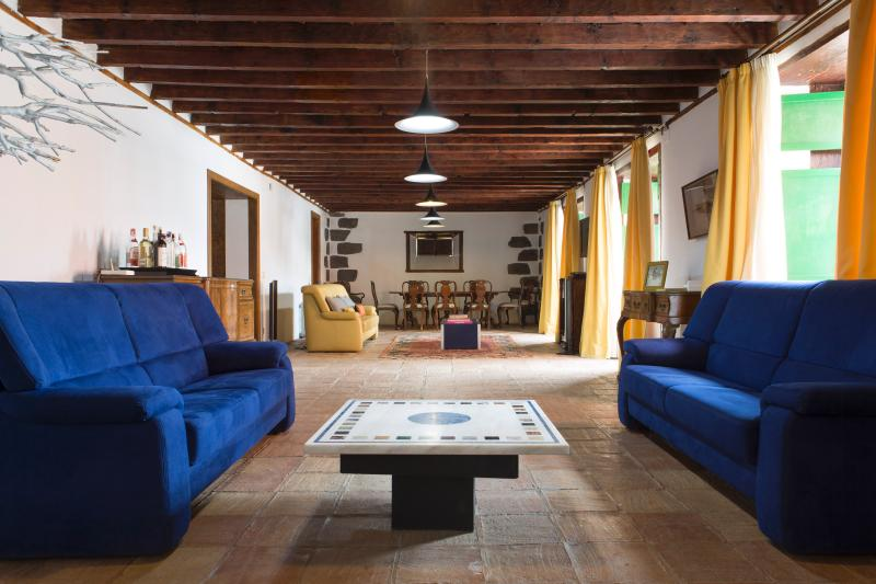 sitting dining room with video and TV - Casa Los Hermanos - Arona - rentals