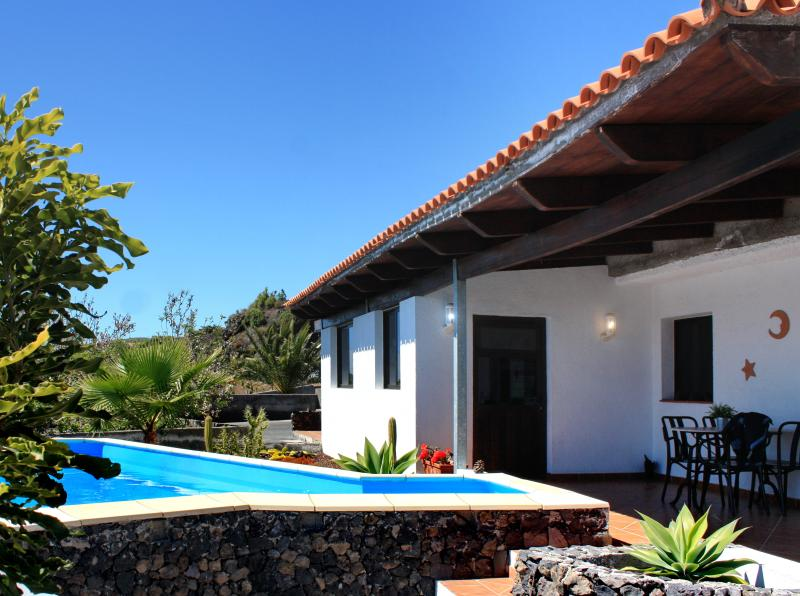Casa Hélena Luxary Villa for 4 in Tenerife - Image 1 - Guia de Isora - rentals