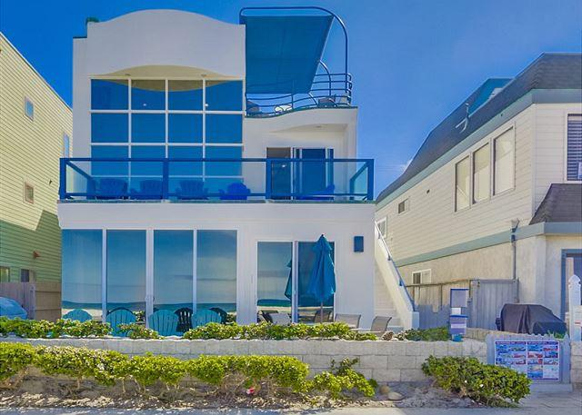 Stunning oceanfront penthouse- glass living room, multiple decks, jacuzzi tub - Image 1 - Pacific Beach - rentals