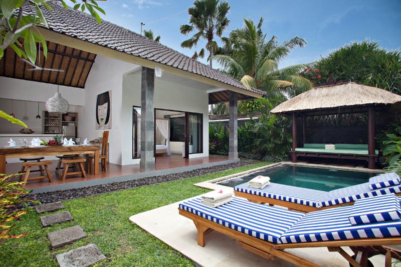 VILLA SAUDARA 1 - PRIME LOCALE, ONLY 50M TO KUDETA - Image 1 - Bali - rentals