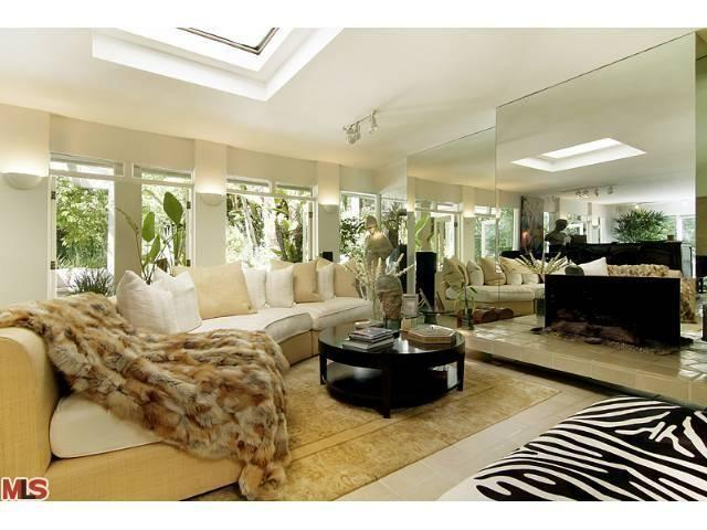 Architectural Quality custom designer furniture . Feel like a celebrity !!! - Beverly Hills Tropical Paradise !!! - Beverly Hills - rentals