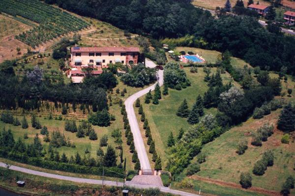 One of our best family properties in the Tuscan countryside. SAL CLU - Image 1 - Lucca - rentals