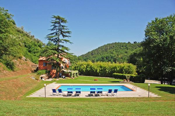 Property in the valley only 2kms from center of Camaiore. SAL DAM - Image 1 - Lucca - rentals