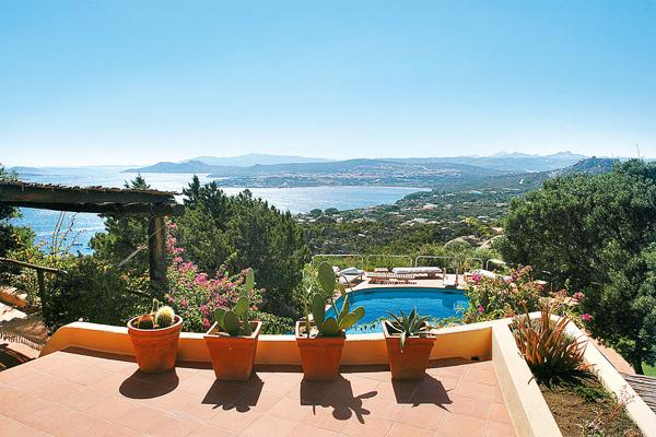 On the summit of a promontory which forms part of Porto Rafael, this small piece of paradise and exclusive resort faces the Sardinian sea. HII LUN - Image 1 - Sardinia - rentals