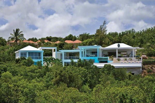 10 minute walk to the beach from this 2-story villa. C GRA - Image 1 - Terres Basses - rentals