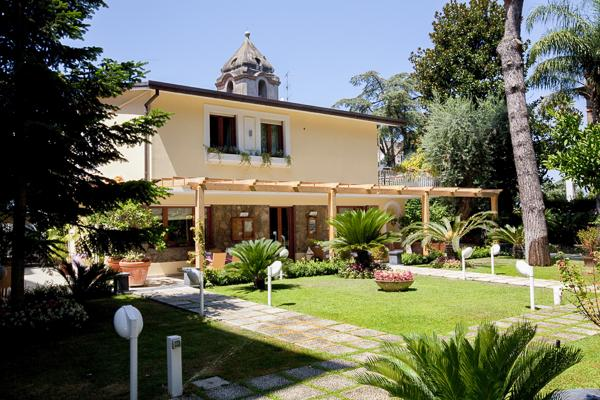 3 minute walk from Sorrento's old city center. BRV GIA - Image 1 - Sorrento - rentals