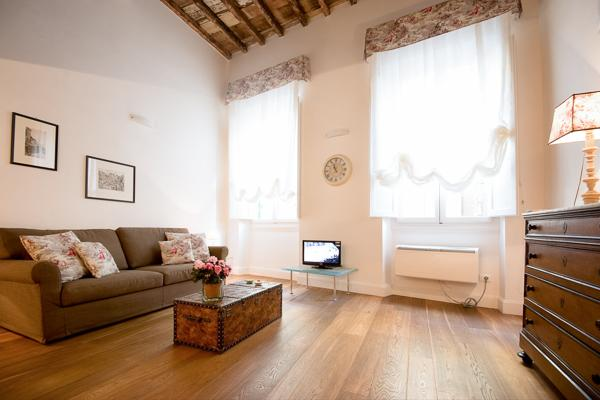 Single apartment steps from Piazza Santa Croce. BRV LOF - Image 1 - Fiesole - rentals