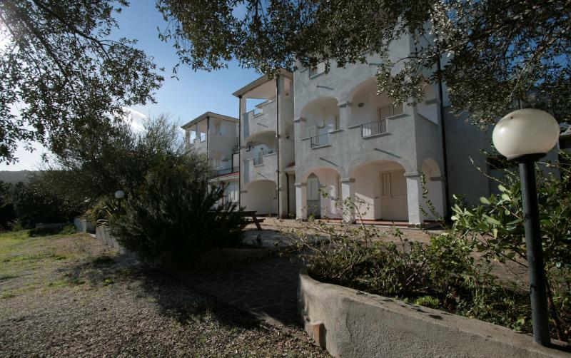 FACADE - Flat-holidays Stella Marina - Cala Gonone - rentals