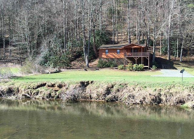 Cottage on the New great view of the New River from well appointed getaway - Image 1 - Todd - rentals