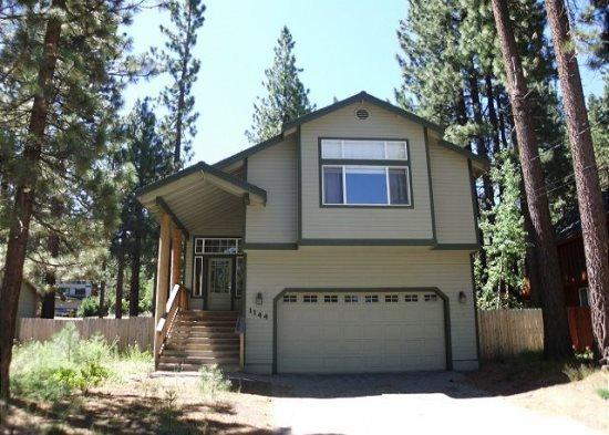 Upgraded Tahoe home with hot tub and fenced back yard, close to hiking trail access - Image 1 - South Lake Tahoe - rentals