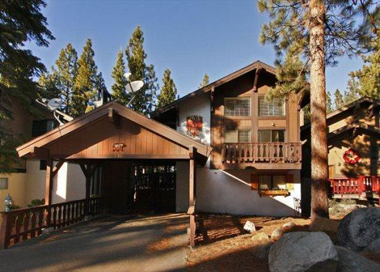Beautiful remodeled cabin with free access to community hot tub and summer pool - Image 1 - South Tahoe - rentals