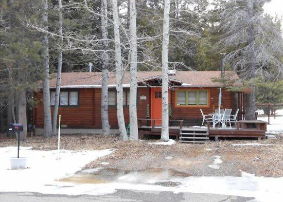 Cozy Tahoe Style Cabin with wifi and close to trail and great mountian biking - Image 1 - South Lake Tahoe - rentals