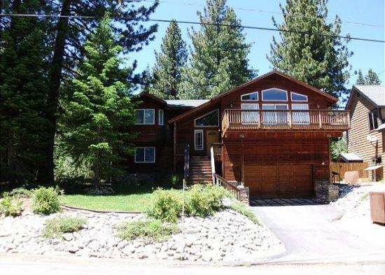 Fantastic, Deluxe Tahoe four bedroom home with hot tub and pool table - Image 1 - Kyburz - rentals