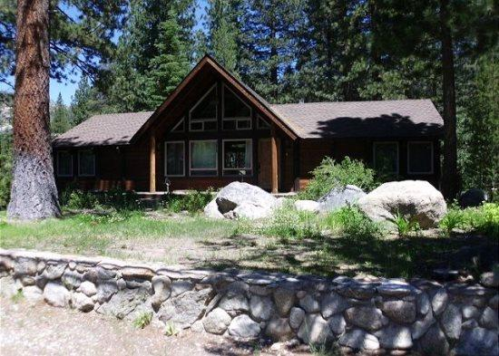 Fantastic riverfront cabin, relax on the back deck overlooking the river with BBQ and Hot Tub - Image 1 - Kyburz - rentals