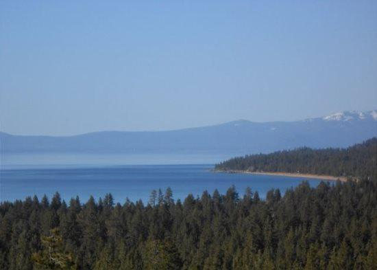 Sweeping Lake Tahoe views from this great home, close to Heavenly Ski Resort - Image 1 - South Lake Tahoe - rentals