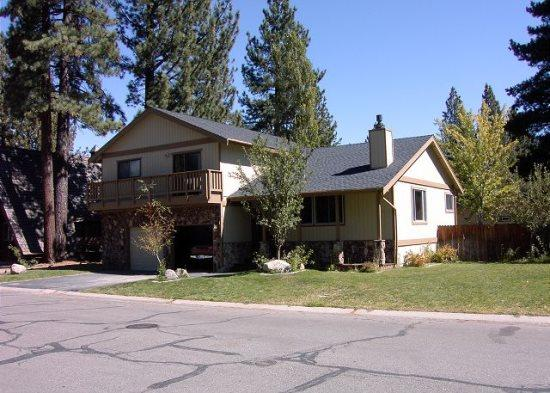 Large Tahoe home with large yard, hot tub and pool table - Image 1 - South Lake Tahoe - rentals