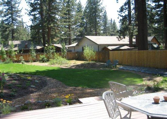 Fantastic Tahoe cabin near the Lake with fenced backyard, hot tub, pets allowed - Image 1 - South Lake Tahoe - rentals