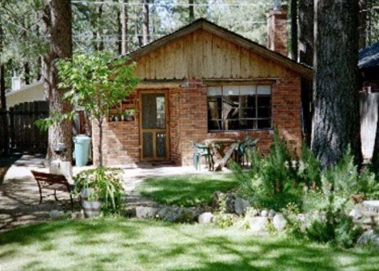 Romantic, historic cabin just a few block to the Lake, fenced yard with private hot tub - Image 1 - South Lake Tahoe - rentals