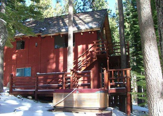 Great Cabin, Secluded in a quiet setting & completely surrounded by towering pine trees - Image 1 - South Lake Tahoe - rentals
