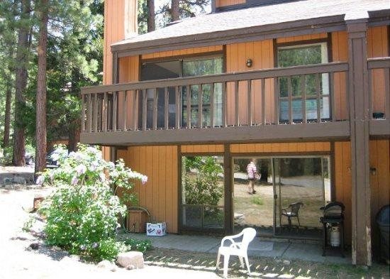 Lovely condo near the base of Heavenly! Summer hiking, winter skiing/boarding - Image 1 - South Lake Tahoe - rentals