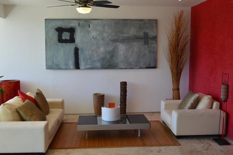 2 BDRM APT, CLOSE TO THE BEACH, 7th NIGHT FREE! - Image 1 - Playa del Carmen - rentals