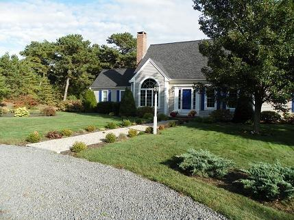 Gorgeous Chatham Vacation Home - 58 Courtney Road - Image 1 - Harwich - rentals