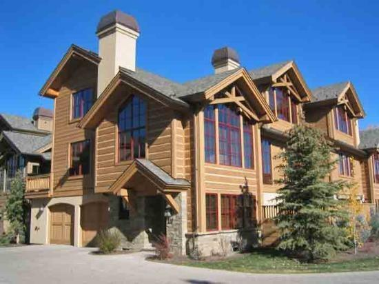 Front Exterior of the home  - Lodge Lane #111, West Ketchum - Luxury Home minutes from downtown & River Run lifts - Ketchum - rentals