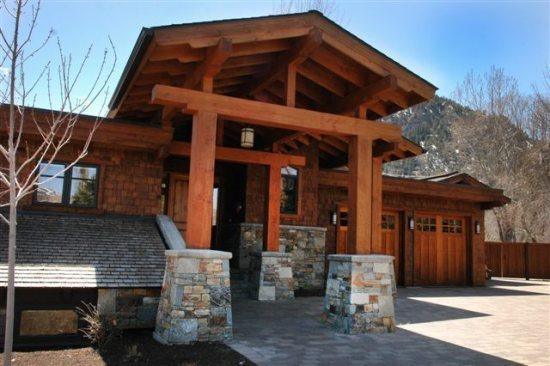 Grand entrance to the home - Ramona - #205, Ketchum - Large house in Ketchum close to the River and YMCA - Ketchum - rentals