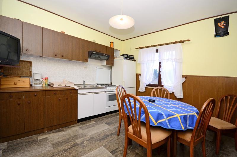 Apartment Petar - 60991-A1 - Image 1 - Poljica - rentals
