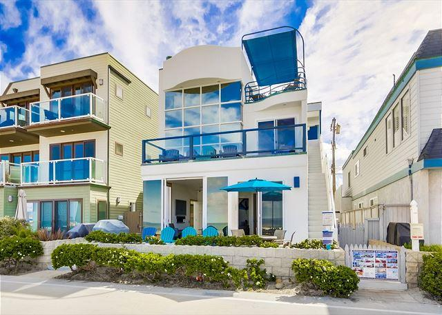 Luxurious ground floor condo- private patio, near boardwalk, BBQ, w/d - Image 1 - Pacific Beach - rentals