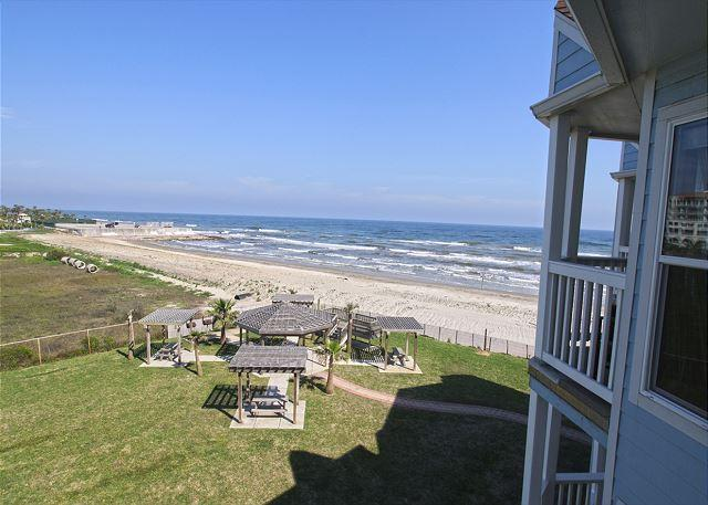"""Barefoot Bliss"" is a beach lovers dream! - Image 1 - Galveston - rentals"