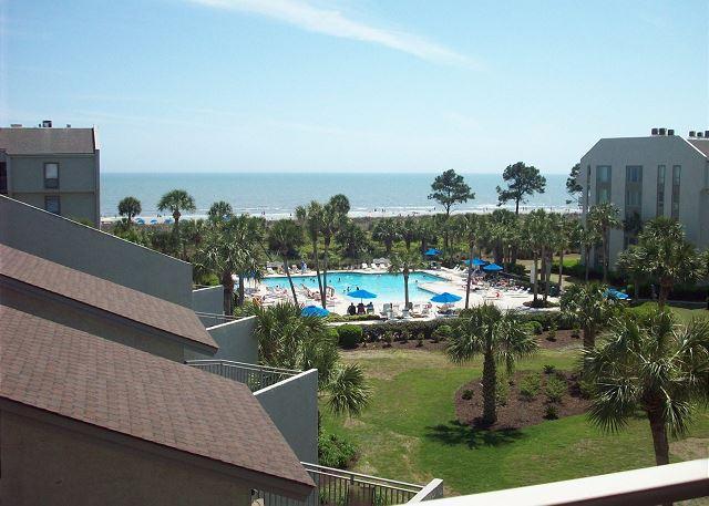 pool view to ocean - Shorewood 431 - Oceanview 4th Floor - Hilton Head - rentals
