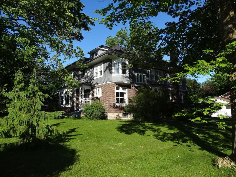 Your home base in the heart of Midland - The Captain's House, heritage bed and breakfast - Midland - rentals