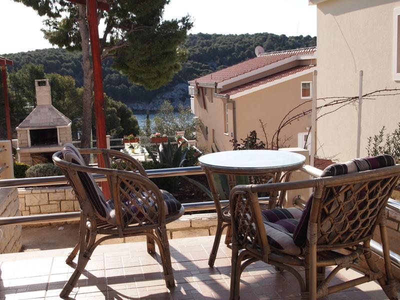 A2(2+1): balcony - 8141  A2(2+1) - Cove Osibova (Milna) - Cove Osibova (Milna) - rentals