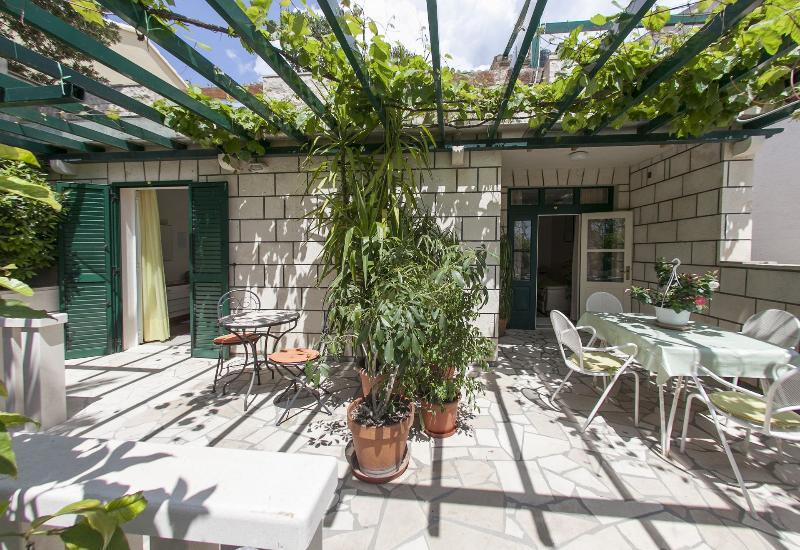 A2(2+2): terrace - 04101BOL A2(2+2) - Bol - Bol - rentals