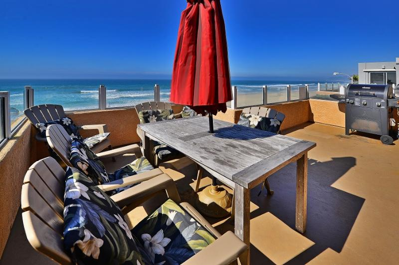 - There are 180 degree panoramic views from the 3rd level ocean front patio, complete with patio furniture and BBQ. - Pacific Sunset - San Diego - rentals